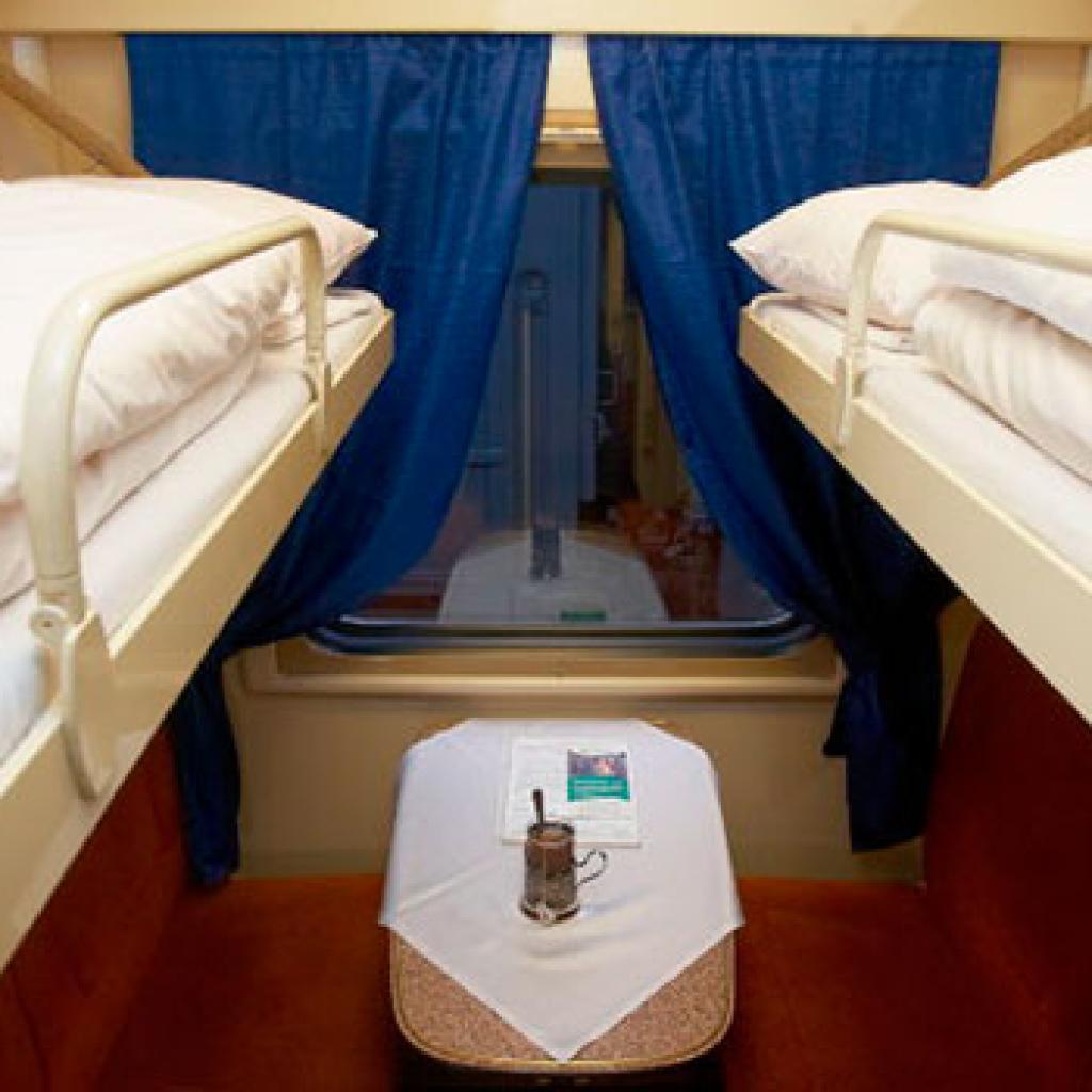 Tolstoi-yöjunan makuuvaunu