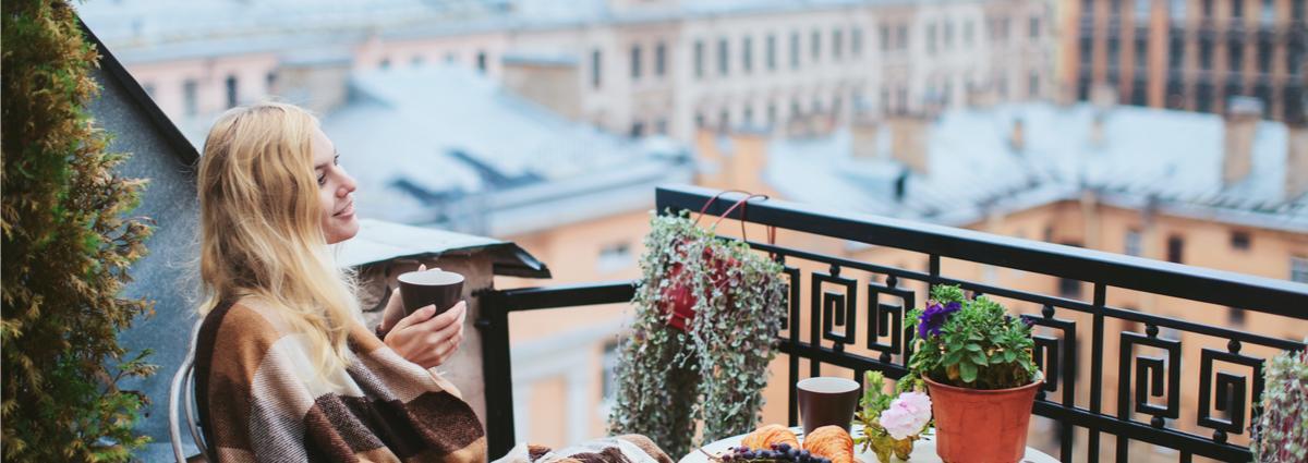 Pietarin kattojen yllä I Lähialuematkat
