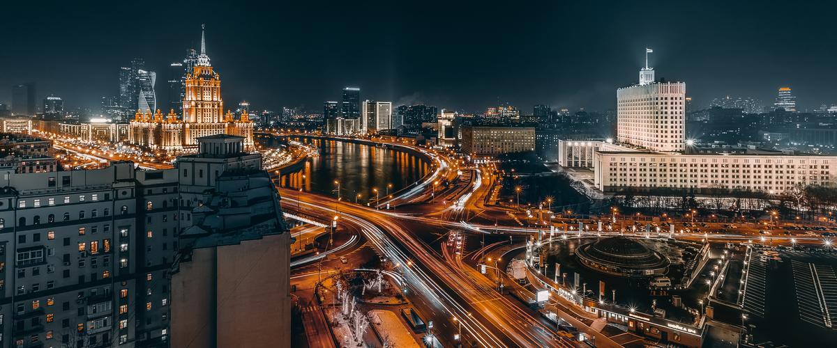 Moskova talvella upea yövalaistus_Lähialuematkat