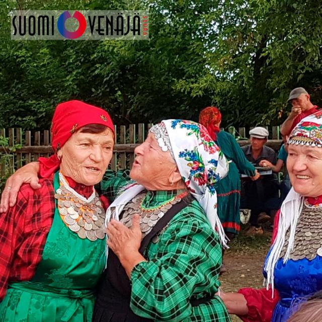Iloiset mummot Udmurtiassa.